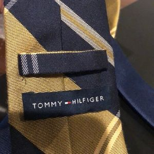 Brooks Brothers Accessories - Tommy Hilfiger neck tie